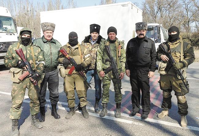 Полковник Иван Безуглый с казаками и бойцами