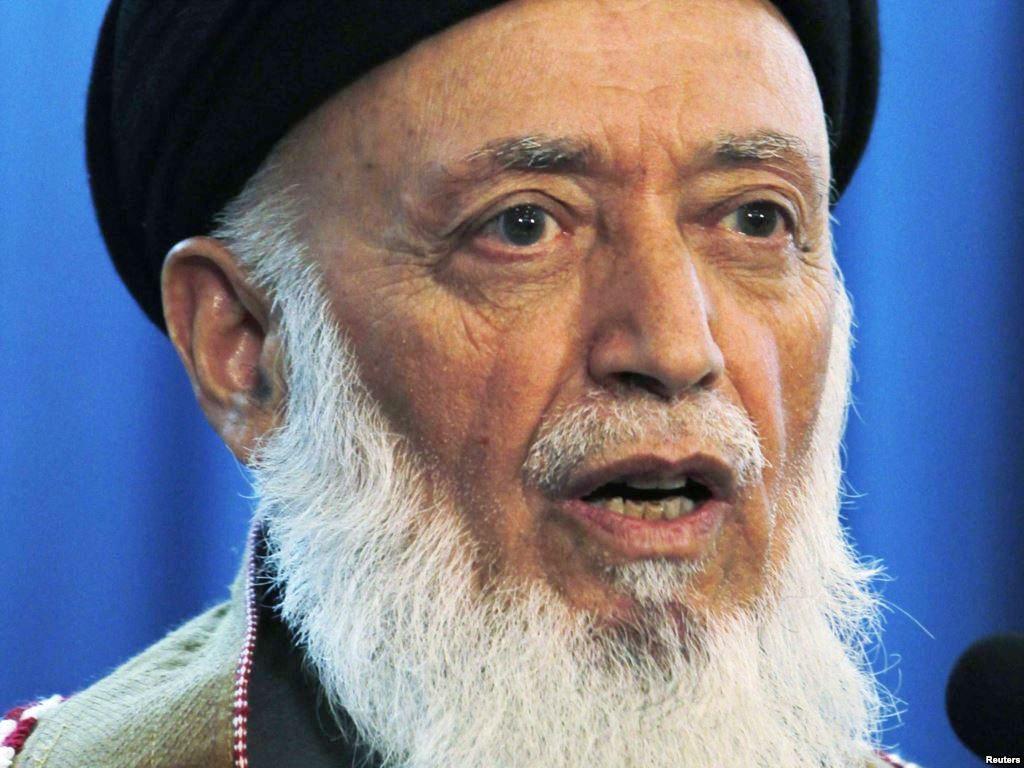 Глава Исламского общества Афганистана ибудущий президент Афганистана Раббани— именно он отдал приказ начать обстрел бадаберского арсенала, захваченного восставшими
