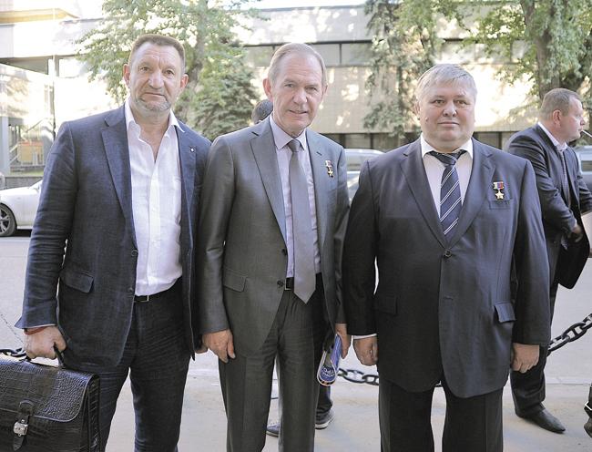 Герой России Олег Дуканов (справа) выступил одним изконсультантов фильма «Сердце Адмирала»