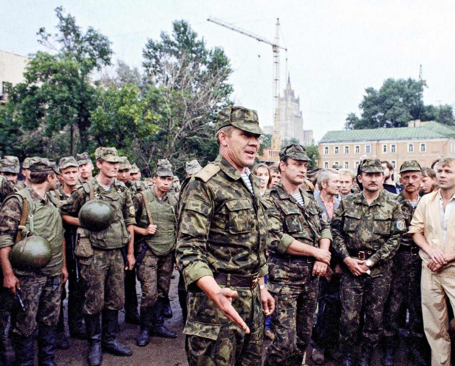 Генерал Александр Лебедь в событиях августа 1991‑го занимал позицию Троянского коня, игравшего свою игру
