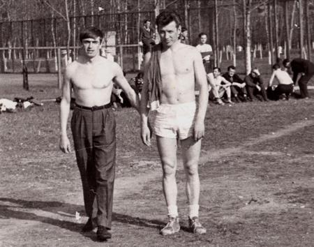 Валерий Петрович (справа) являлся победителем многих соревнований, проводившихся в системе КГБ СССР