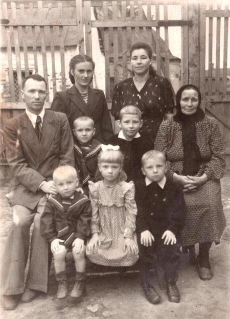 Семья Емышевых