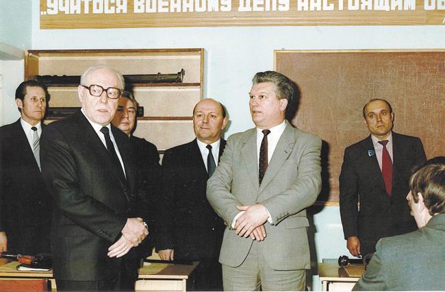 Вовремя посещения подразделения Председателем КГБ СССР Виктором Чебриковым. 17 января 1985года
