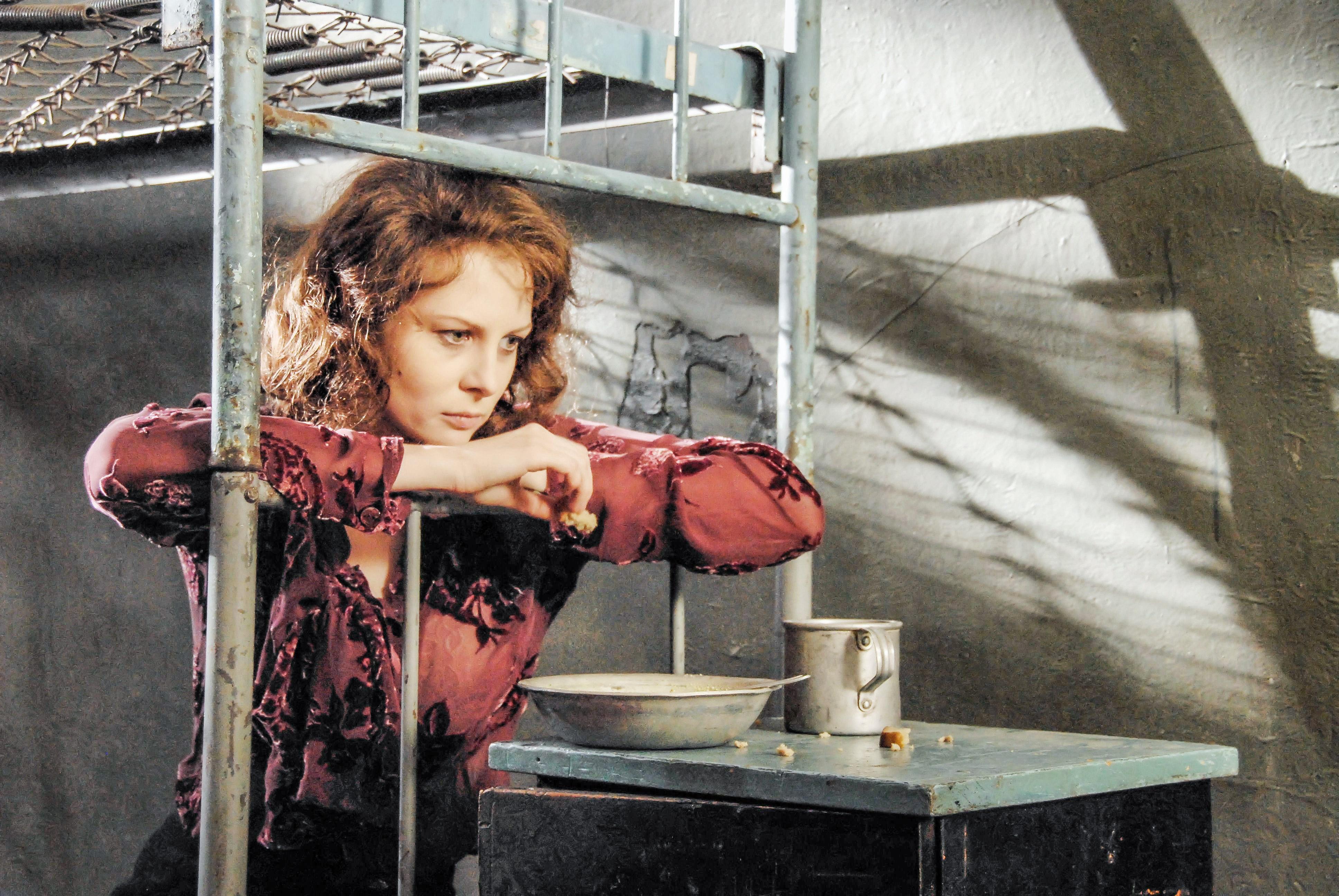 Актриса Ольга Погодина вроли О.К.Чеховой. Сериал «Легенда обОльге» (2009год)