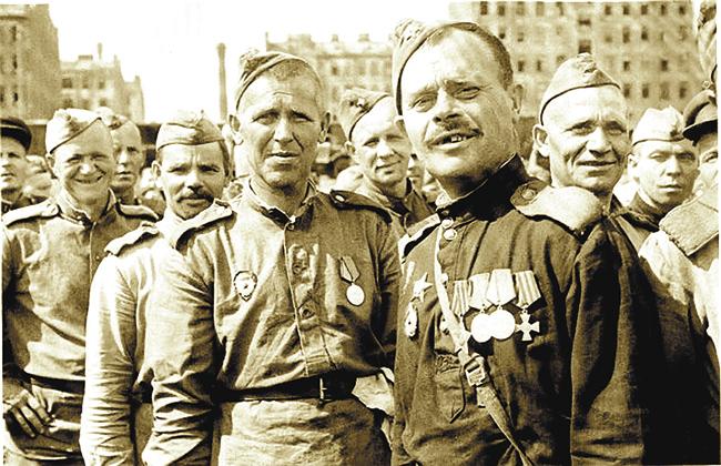 Великая война воскресила и дореволюционную историю, и царские боевые награды