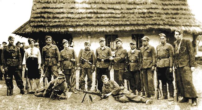 Вот такие боевики УПА безжалостно уничтожали местное население - всех, кого бандеровцы считали своими врагами