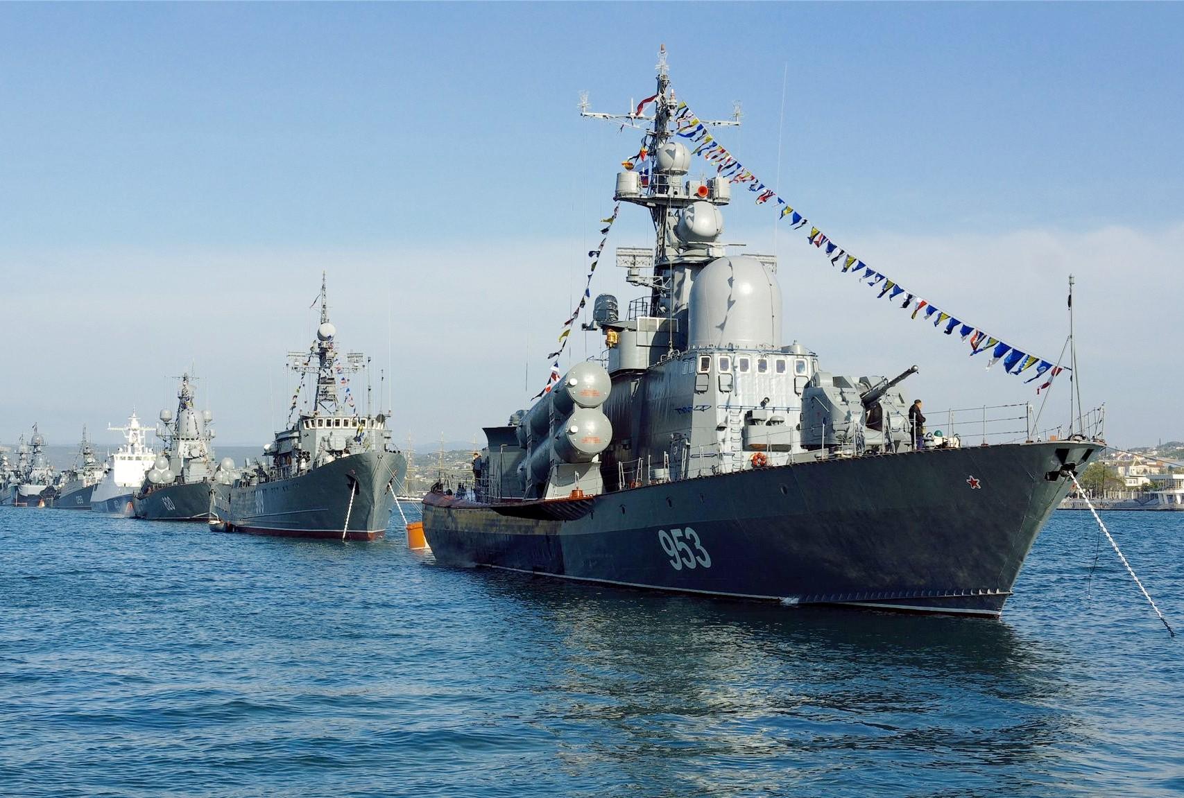 Одна из заветных истинных организаторов целей ЕвроМадана – размещение в Крыму военно-морской базы НАТО и изгнание оттуда России