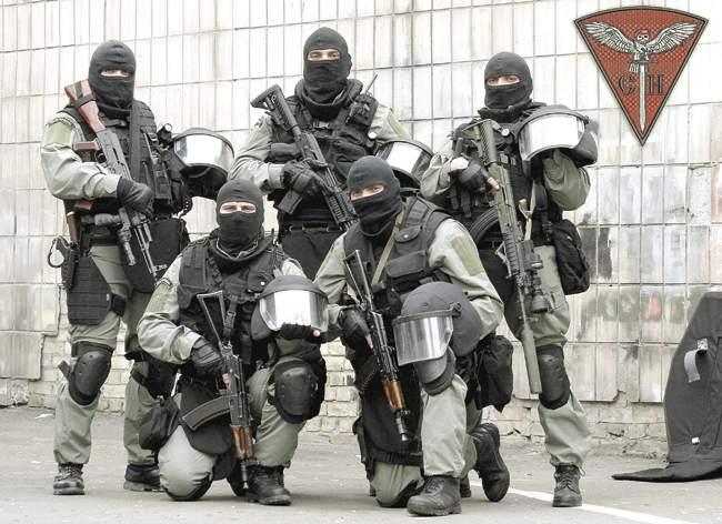 Бойцы роты специального назначения киевского «Беркута», которую майдауны, захватив власть, объявили «чёрной» инавесили нанеё все смертные грехи