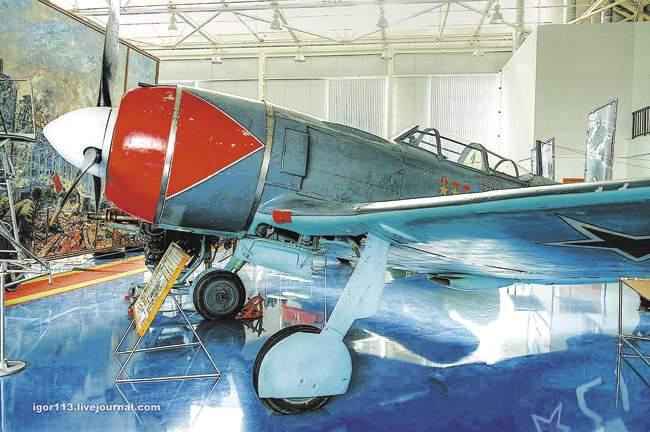 Самолёт трижды Героя Советского Союза Ивана Кожедуба вЦентральном музее военно-воздушных сил вМонино